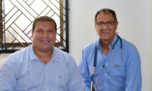Dr. Barbosa and his cardiac anesthesiologist see patients at the Clinic in Sincelejo